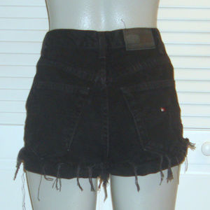 Vntg Black Denim High Waist Cut Off Shorts